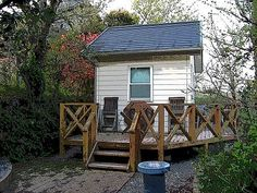 A sweet tiny house.  English story is right below the Japanese.  http://sakamoto.moeruhito.com/e310.html