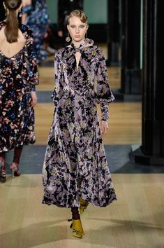 The complete Erdem Fall 2018 Ready-to-Wear fashion show now on Vogue Runway.