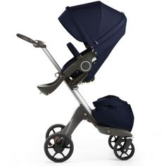 La carriolade altura ajustable por excelencia de Stokke Descripción Eleva a tu bebé para facilitar el contacto visual y la interacción Puede usarse desde el na