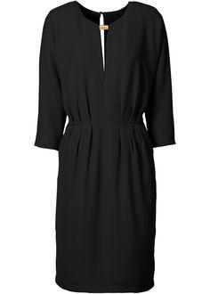 Vestido preto encomendar agora na loja on-line bonprix.com.br  R$ 169,90 a partir de Com este vestido, as mulheres mostram o que elas tem de melhor, sua ...