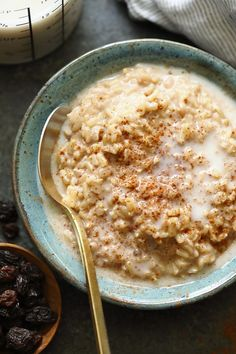 It's that time of year to cozy up with a hot cup of tea and a delicious bowl of healthy rice pudding. Our vegan rice pudding recipe is made with brown rice, all-natural sweeteners, almond milk, and warm spices! . #vegan #vegetarian #plantbased #dessert #healthyrecipe #glutenfree #ricepudding #brownrice #cleaneating