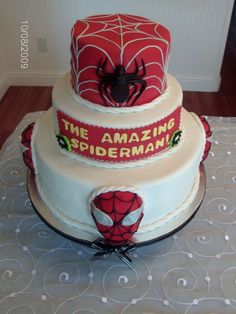 3 Tier Spiderman cake with 4 small cakes