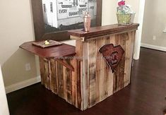 Those who are looking for the idea of wooden pallet bar can see it here, this is easy to prepare and the colors used in it are two shades of same color. The combination of colors is making it look outstanding.