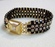 "Free Pattern - ""Princess Phoebe"" Bracelet By Laura Cole featured in… Diy Beaded Bracelets, Beaded Anklets, Beaded Bracelet Patterns, Jewelry Bracelets, Jewellery, Bead Patterns, Bracelet Making, Jewelry Making, Do It Yourself Jewelry"