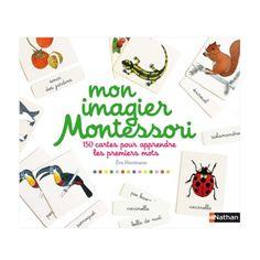 Un coffret pour apprendre les premiers mots et leur graphie, selon la pédagogie Montessori. 150 cartes sur 5 thèmes (les animaux de la forêt, les légumes, les fleurs, les oiseaux et les insectes) et un livret destiné aux parents qui présente le matériel et explique comment l'utiliser.
