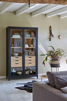 Living Room Sliding Doors, Loft Kitchen, Regal Design, Shelf Design, Kitchen Cabinet Design, Dining Room Design, House Rooms, Contemporary Furniture, Living Room Decor