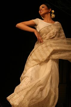 Tootli Rahman by olive witch, via Flickr #saree #sari