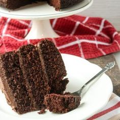 This chocolate frosting recipe is AMAZING! The link to my three layer chocolate cake is in the frosting post. Triple Layer Chocolate Cake, Decadent Chocolate Cake, Homemade Chocolate Frosting, Chocolate Buttercream Frosting, Nut Recipes, Cake Recipes, Banana Nut Muffins, Homemade Muffins, Holiday Cakes