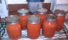 canning bloody mary mix (Canning Mix Vegetables) Tomato season for Santa Barbara is almost here. The smell of the vines when you run your fingers across the stems is one of the most pronoun. Bloody Mary Chili Recipe, Homemade Bloody Mary Mix, Bloody Mary Recipes, Bloody Mary Mix Canning Recipe, Devilled Eggs Recipe Best, Best Deviled Eggs, Tomato Season, Canning Tomatoes, Cocktails