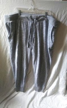 12.99$  Buy now - http://vitol.justgood.pw/vig/item.php?t=2lga2b018865 - Mossimo Supply Co Women's Size 2XL (XXL) Gray Lounge Running Sweat Cropped Pants 12.99$