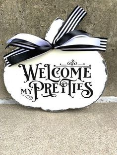 White Pumpkin Distressed Welcome My Pretties Halloween Pumpkin Wood Vinyl Sign for Door or Wall Decor Seasonal Porch or Party Decorations Halloween Pumpkins, Halloween Crafts, Dollar Tree Decor, Wood Vinyl, Vinyl Signs, White Pumpkins, Vinyl Lettering, White Paints, Wood Colors