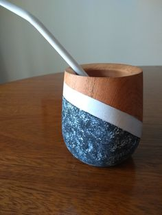 Bussines Ideas, Pen Art, Dory, Graphic Design Inspiration, Pottery Art, Plant Hanger, Crafts, Woodworking, Craft