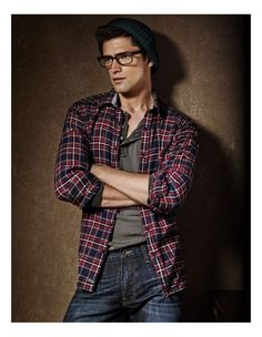 .Sean O'Pry. This is interesting, because every time I've ever seen him in anything, it's always suits, rich-boy sweaters and button-ups, or he's shirtless. There's really no inbetween, and I've never seen him hipster-casual. But I kind of like it.