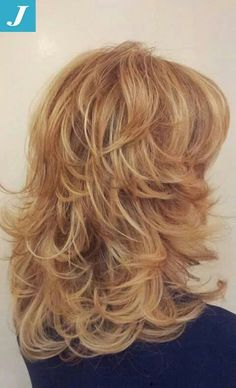 This is how I want the back of hair to look! Medium Layered Hair, Medium Hair Cuts, Medium Hair Styles, Curly Hair Styles, Haircuts For Long Hair With Layers, Haircuts For Medium Hair, Layered Haircuts, Long Shag Haircut, Great Hair