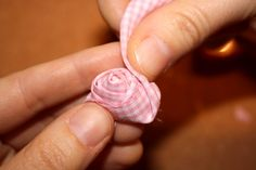 Tuto fleurs en tissu - Notre Malle aux Tresors