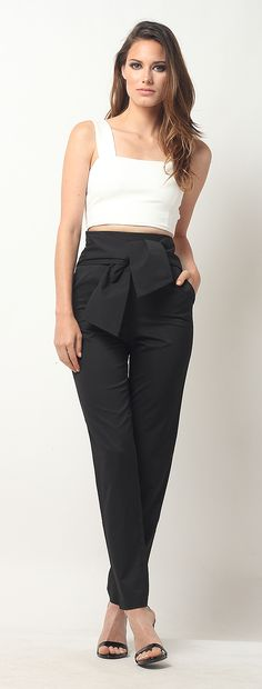 New online store alert <3 Definitely an it girl outfit. These tie high waist pants are for the fashion forward girl boss. They can be worn as a work outfit or casual outfit. Definitely blogger style. Pin now so shop later.