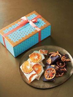 「バークオレンジ〈ダーク〉」 幻のカカオ「クリオロ種」を使用し、ひと手間かけて作り上げられるマリベルニューヨークのチョコレート。マンダリンオレンジの酸味と、ダークチョコの苦みを楽しめるチョコレートです。