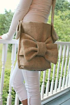 Burlap Purse Tote with Bow. Love it! ...Lots of cute ideas on this blog!