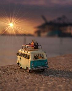 The end of a long day. Miniature Photography, Cute Photography, Still Life Photography, Creative Photography, Cool Pictures For Wallpaper, Cute Cars, Small World, Cute Illustration, Aesthetic Pictures