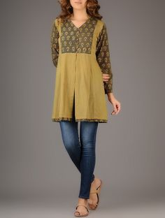 Short Kurti Designs, Kurta Designs Women, Kurtha Designs, Tunic Designs, Kurti Patterns, Dress Patterns, Tunics Online, Cotton Tunics, Dressy Tops