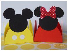 Forminha de doces para festa temática Mickey e Minnie. <br>Valor individual. <br>Pode solicitar apenas Mickey ou apenas Minnie à vontade. <br>Caso não seja discriminado qual delas deseja, serão enviadas sortidas do dois modelos.