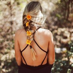 Summer Braids :: Beach Hair :: Natural Waves :: Brunette + Blonde :: Boho Festival :: Messy Manes :: Long Locks :: See more DIY Simple + Easy Hairstyle Tutorials + Inspiration My Hairstyle, Pretty Hairstyles, Hairstyle Tutorials, Hair Inspo, Hair Inspiration, Good Hair Day, About Hair, Hair Dos, Gorgeous Hair