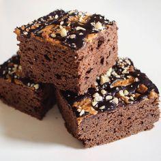 Brownies s arašídovým máslem - Fitnesák Krispie Treats, Rice Krispies, Brownies, Smoothie, Gluten Free, Cake, Sweet, Desserts, Recipes