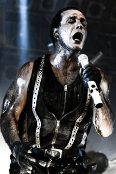 RAMMSTEIN - FÜR IMMER Lead singer for Rammstein. #metal #heavymetal http://www.pinterest.com/TheHitman14/musician-punkmetal-%2B/