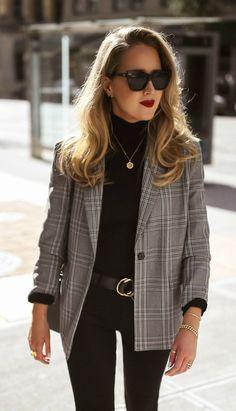 // Grey + white checked over-sized blazer, black turtleneck sweater, black retro. - // Grey + white checked over-sized blazer, black turtleneck sweater, black retro cat-eye sunglasses - Blazer Outfits Casual, Blazer Outfits For Women, Woman Outfits, Business Casual Outfits, Blazers For Women, Business Attire, Blazer Fashion, Grey Blazer Outfit, Ladies Blazers