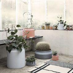 Pot blomkruka stor - ockra - Ferm Living