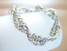 @JeannieRichard Fantastic #chainmaille work #jewelry #brigteam - Bracelet