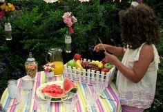 Mi cumpleaños, en pleno verano con frutas, flores, pileta y sobrinos! A midsummer birthday ... mine! With Flowers, Fruits, Pool and Nephews /