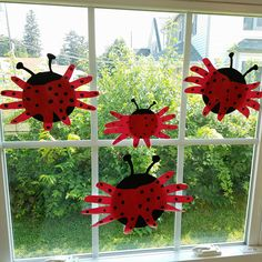 Hand Print Ladybugs Craft for kids! Super cute for spring and summer time.