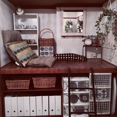 ガーリーな家具にはなかなかマッチしない和室。とくに押入れがあるとその存在感は大きいもの。。気に入らないなら改造しちゃえ!押入れを活かした簡単プチリフォームから本格的なものまで、参考になるお部屋を一挙紹介♡もちろん収納力もあるおしゃれな空間に大変身!ぜ~んぶ最初は収納スペースだった和室の押し入れなんだから驚きです!!