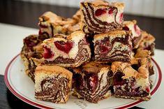 prajitura-cu-visine-si-cacao-8 French Toast, Muffin, Homemade, Breakfast, Desserts, Food, Pie, Essen, Morning Coffee