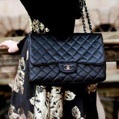 97598d3dd873 Mennyit ér valójában egy Chanel-táska? Ennyibe kellene kerülnie! Lány  Divat, Tavaszi
