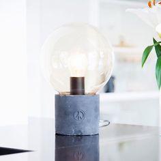 Design lamp Peacebubble - By Rydens  #byrydens #peacebubble #tablelamp #sidelamp #lightingdesign #lighting #interiorlighting #pöytävalaisin #sisustus #interior #interiordesign #lights #scandinaviandesign #scandinavianinterior #interiorinspiration #interiorinspo