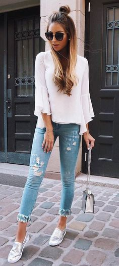 cute casual style outfit blouse + rips #casualchicstyle