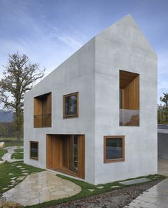TWO IN ONE HOUSE BY CLAVIENROSSIER ARCHITECTES HES/SIA