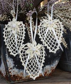 #Lacrima #polandhandmade #zawieszki #szydelko #bawelna # dekoracja #koraliki #Knittingdoily #lacedoily #homedecor #lacedoily #crochet doilies #tabledecoration #interiordecoration Crochet Snowflake Pattern, Crochet Snowflakes, Crochet Motif, Lace Doilies, Crochet Doilies, Decoration Table, Yarn Crafts, Fiber Art, Things To Do