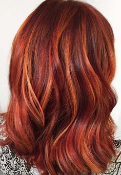 50 Copper Hair Color Shades to Swoon Over copper h+ . - - 50 Copper Hair Color Shades to Swoon Over copper h+ . Bright Copper Hair, Copper Hair With Highlights, Copper Red Hair, Hair Color Highlights, Hair Color Balayage, Ombre Hair, Copper Hair Colors, Hair Colours, Chunky Highlights