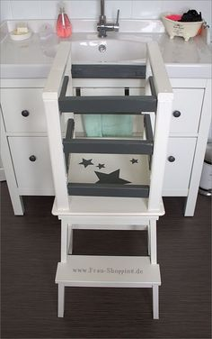 1000 ideas about learning tower on pinterest learning tower ikea baby and busy board. Black Bedroom Furniture Sets. Home Design Ideas