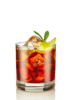 L'americano ha : 3 cl di bitter 3 cl di vermut rosso Una spruzzata di sod L'Americano si prepara con la tecnica build (costruzione direttamente nel bicchiere) e si serve di un bicchiere Old Fashioned. Si versa dunque nel bicchiere colmo di ghiaccio Vermouth rosso e Bitter, dopodiché si va a completare con la Soda. #Bitter #Americano #Drink