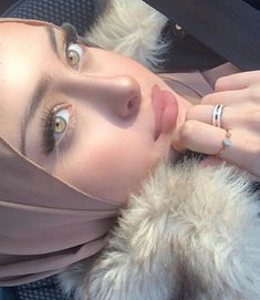 Uploaded by PROUD TO BE A LIBYAN. Find images and videos about hijab, muslim and arabs on We Heart It - the app to get lost in what you love. Iranian Beauty, Muslim Beauty, Modern Hijab Fashion, Hijab Fashion Inspiration, Muslim Fashion, Beautiful Girl Makeup, Beautiful Girl Photo, Beautiful Muslim Women, Beautiful Hijab
