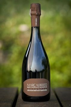Marcalberto Brut Sansanne, per brindare all'inizio delle #feste. @SOS Vino Srl #sosvino http://www.sosvino.com/ita/vini/spumanti/marcalberto-brut-sansanne.asp