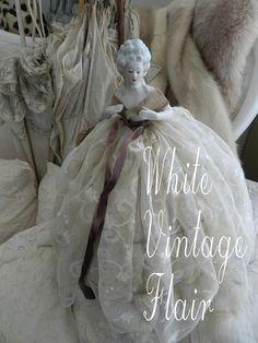Vintage Deko - Boudoir Vintage  Half Doll  / Puppe   - ein Designerstück von whitevintageflair bei DaWanda