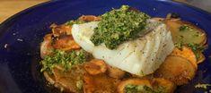 Bacalao con patata, chirivía y gremolata de pistacho