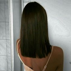 60 Gorgeous Blunt Cut Hairstyles – The Haircut That Works on Everyone - frisuren lange Haare - Cheveux Medium Hair Cuts, Medium Hair Styles, Short Hair Styles, Braid Styles, Hairstyles Haircuts, Straight Hairstyles, Latest Hairstyles, Brunette Hairstyles, Layered Hairstyles
