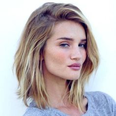 Shoulder Length Casual Hairstyle / Blonde / 100 Best Hairstyles & Haircuts for 2017