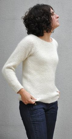 a patterned sweater, discreet but classy (Mazarine sweater from La Droguerie) - Knitting 02 Diy Pullover, Diy Crochet, Crochet Pattern, Hand Knitting, Knitwear, Knitting Patterns, Sweaters For Women, Clothes, Rue Mazarine